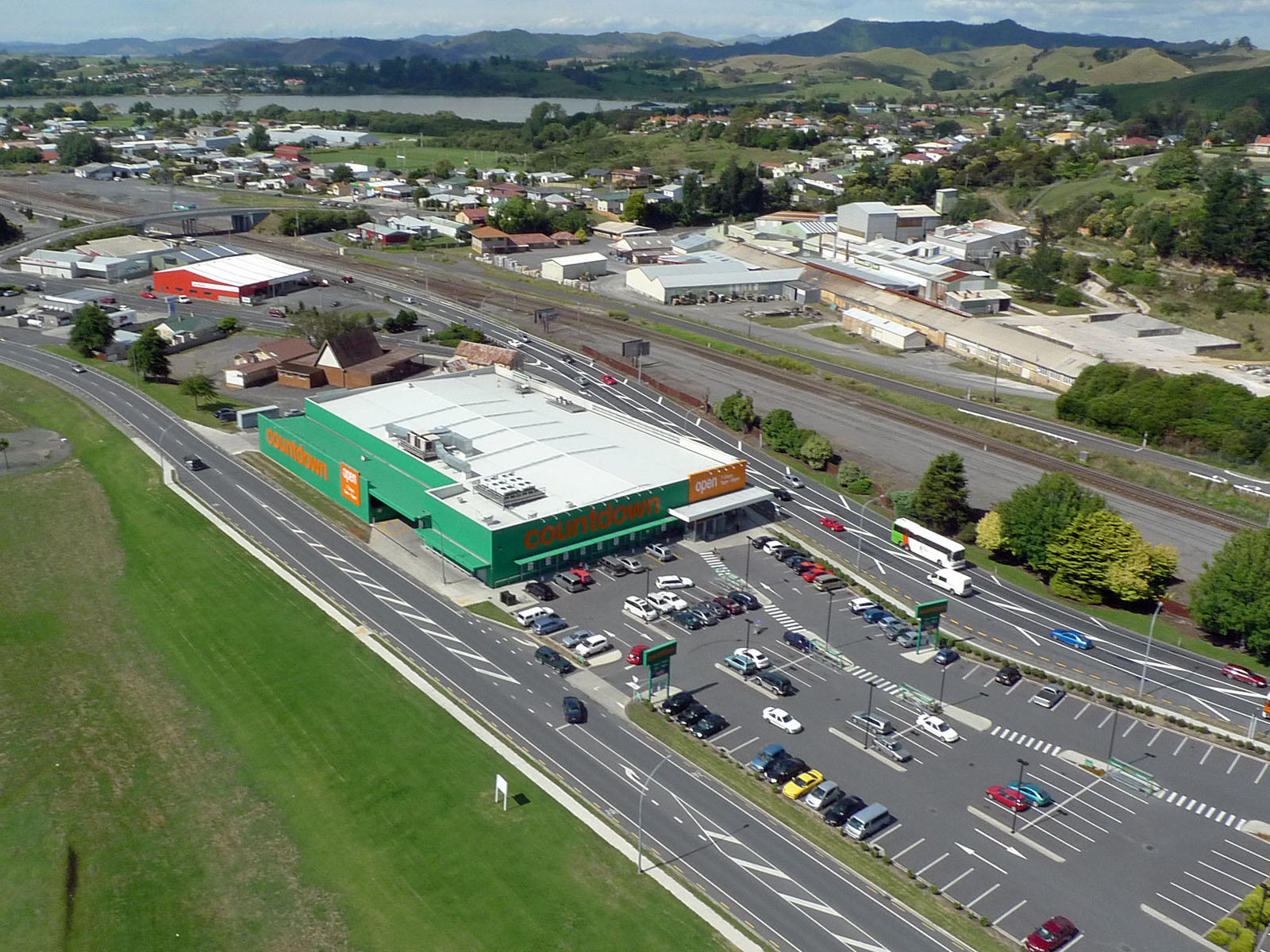 Photo of Countdown, State Highway One, Huntly